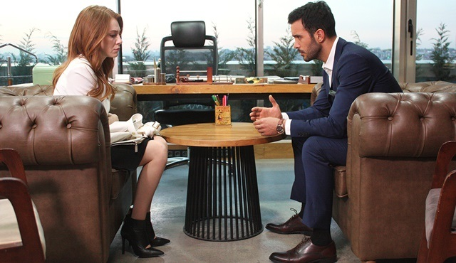 Love For Rent | Is Ömer about to find out about Defne's big secret?