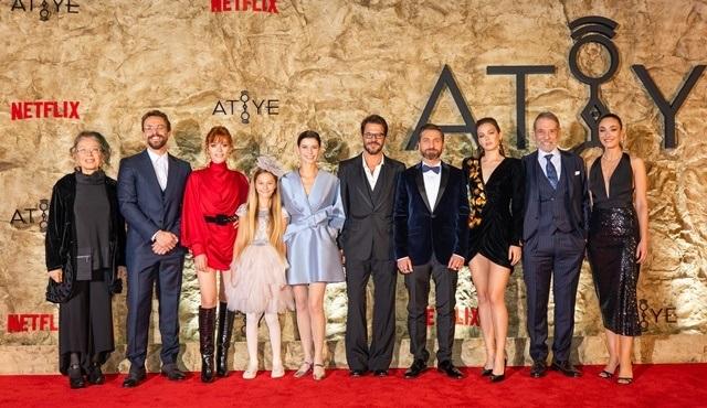 Netflix'in ikinci Türk orijinal dizisi Atiye'nin galası yapıldı!