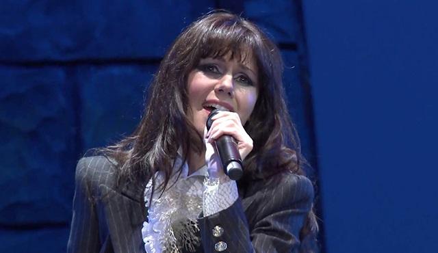 Emma Shapplin, Tülin Şahin'le birlikte türkü söyleyecek