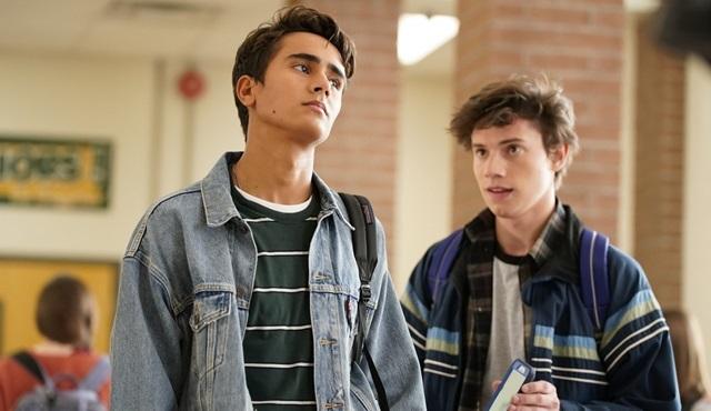Love, Simon filminin dizi uyarlaması Love, Victor 19 Haziran'da başlıyor