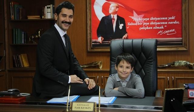 İsimsizler'de Kaymakam Fatih Keskin de 23 Nisan'da koltuğunu verdi!
