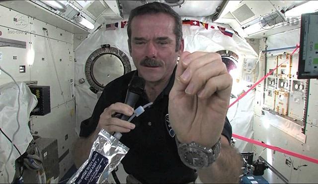 Dünya'yı Tweetleyen Adam, Discovery Science'de!