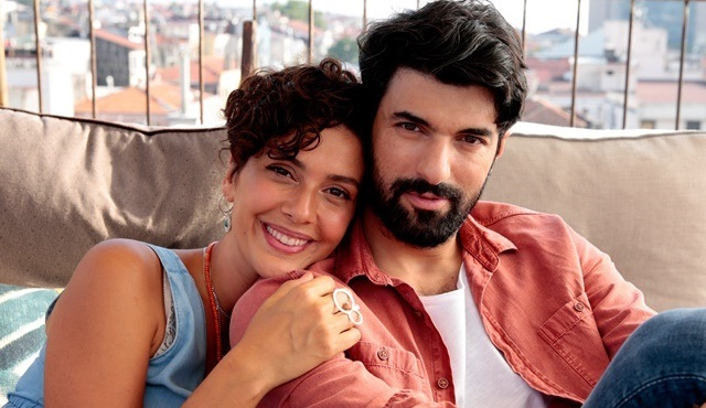 Bir Aşk İki Hayat filminden ilk kareler yayınlandı!