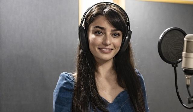Ayça Ayşin Turan, Arıza dizisi için şarkı seslendirdi!