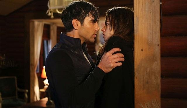 Bana Sevmeyi Anlat'da Alper ve Leyla aşk sancıları çekiyor!