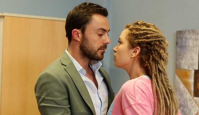 Aşk Yalanı Sever | The accident reveal Ferit and Peri's true feelings
