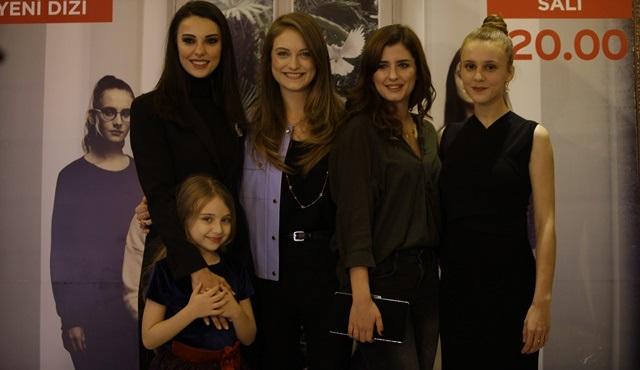 Kızlarım İçin oyuncuları ilk bölüm heyecanını birlikte yaşadı!