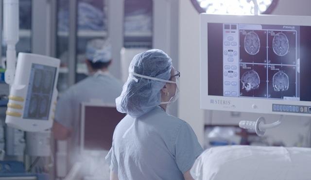 Nat Geo ekranlarında canlı yayınlanan beyin ameliyatından ilk görüntüler!