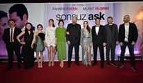 Fahriye Evcen ve Murat Yıldırım'lı Sonsuz Aşk filminin galası gerçekleşti!