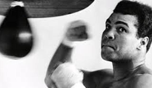 Eski Ağır Sıklet Dünya Şampiyonu boksör Muhammed Ali hayatını kaybetti!