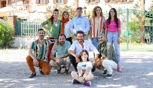 TRT 1'den bayrama özel film geliyor: Hanımağa'nın Gelinleri